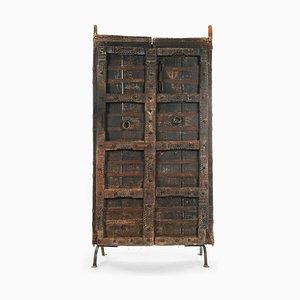 Holztür auf Schmiedeeisen Basis