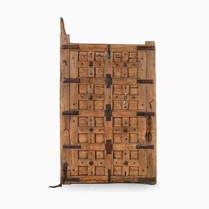 Geschnitzte Rolltür aus Holz