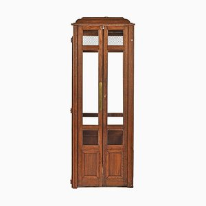 Wooden Lift Cabin