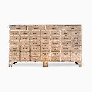 Antiker Schrank aus Holz mit 45 Schubladen