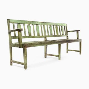 Grüne Holzbank