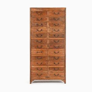 Werkstattmöbel aus Holz mit 24 Schubladen