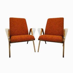 Orangefarbene Mid-Century Armlehnstühle mit Kunststoff Armlehnen von Tatra Nabytok, 1960er, 2er Set