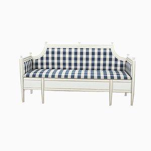 Schwedische Gustavianische Sofabank mit konischen Beinen