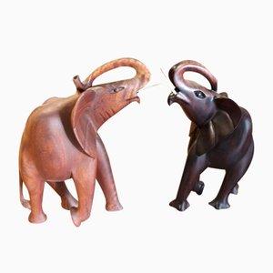 Geschnitzte Elefantenstatuen aus Mahagoni, 1900er, 2er Set