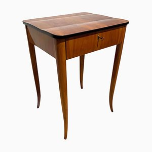 German Biedermeier Cherry Veneer Sewing or Side Table, 1830s