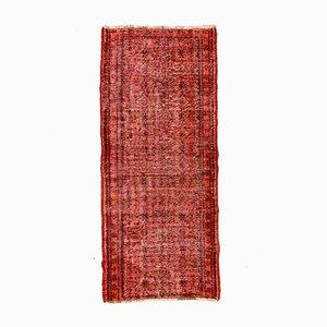 Türkischer Schmaler Läufer Teppich aus Wolle in Rot & Schwarz Eingefärbt