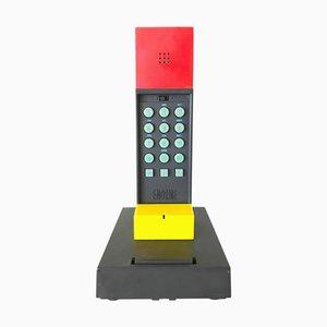 Teléfono modelo Enorme de Ettore Sottsass, 1986