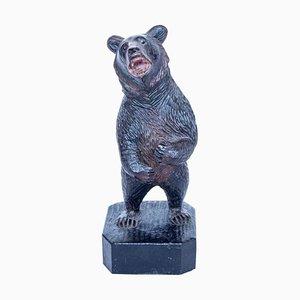 Antiker geschnitzter Bär