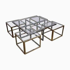 Mesa de centro grande de latón y cromo con mesas nido de Maison Charles, años 60. Juego de 5