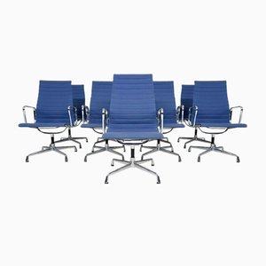 Silla de oficina EA107 en azul claro de Charles & Ray Eames para Vitra, USA, años 50
