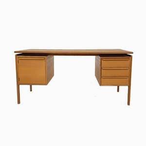 Oak Desk by Gv Gasvig for GV Møbler, Denmark, 1960s