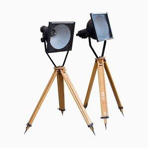 Industrielle Schwarze Emaille Strahler Dreibein Stehlampen, 1960er, 2er Set