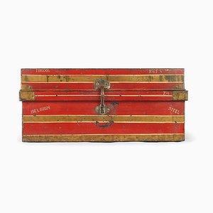 Reisetruhe aus rotem Metall, 1940er
