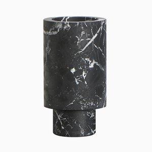 Jarrón de mármol negro de Karen Chekerdjian, Made In Italy