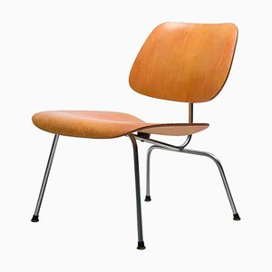 LCM Sessel mit rotem Anilin Lack von Charles & Ray Eames, 1950er