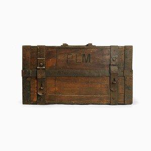 Erste-Hilfe-Kasten aus Holz mit Beschlägen
