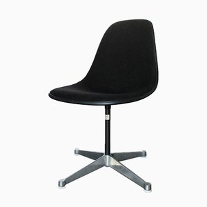 Black Swivel Chair by Charles & Ray Eames for Herman Miller, 1983