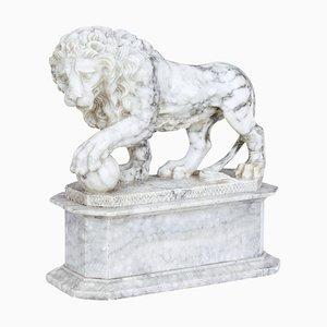 Italienischer Marmorstatue eines Löwen, 19. Jh
