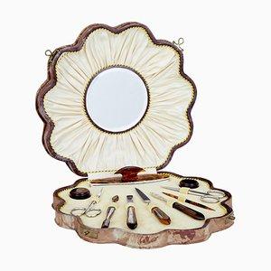Set de Manucure Antique Art Déco en Cuir en Forme de Coquillage et Ambre