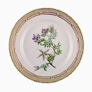 Nr. 20/3550 Flora Danica Lunch Plate from Royal Copenhagen, 1940s
