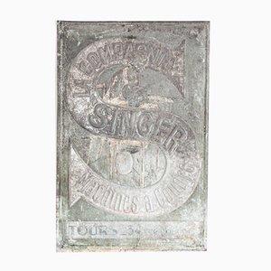 Panneau Publicitaire en Acier Galvanisé Industriel de la Machine à Coudre Singer, France, 1920s