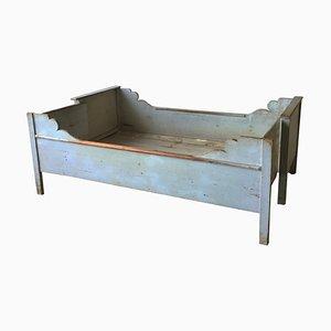 Blaues antikes Gustavianisches Bett