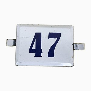 Nummer 47 Schild in weißer und blauer Emaille, 1970er