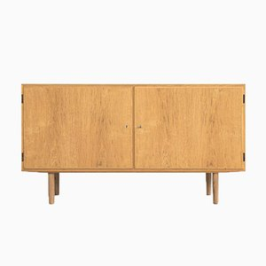 Mid-Century Danish Sideboard with 2 Doors in Oak from Hundevad & Co, 1960s