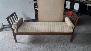 Kleines Antikes Italienisches Sofa aus Holz