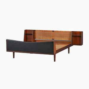 Dänisches Mid-Century Teak Doppelbett mit Kopfteil Kopfteil von Hans J. Wegner für Getama, 1960er