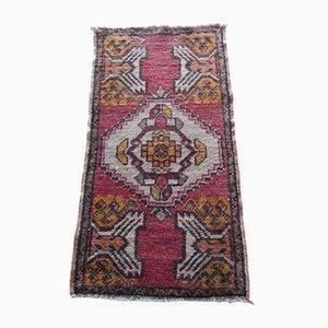 Türkische Handgeknüpfte Niedrige Vintage Oushak Yastik Duvet Teppich Matte, 1970er