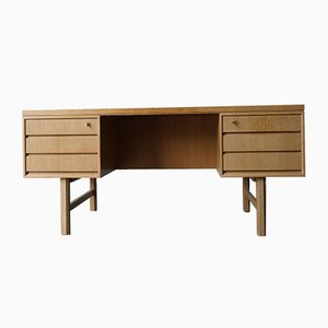 Danish Modern Oak Model 76 Desk from Omann Jun, 1960s