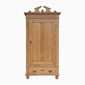 Antiker Schrank aus Sofwood