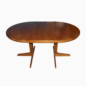 Mid-Century Danish Round Extendable Teak Dining Table from Spøttrup, 1960s