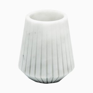 Kurze Vase aus Weißem Carrara Marmor von Fiammettav Home Collection