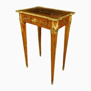 Antiker Tisch mit Intarsien