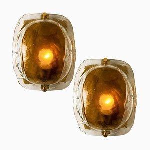 Mundgeblasene Murano Glas Wandlampen aus Messing & braunem Glas von JT Kalmar, 1960er, 2er Set