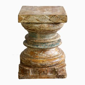 Antike indische Säule aus Holz