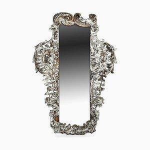 Antiker Spiegel mit geschnitztem Holzrahmen und weißer Patina