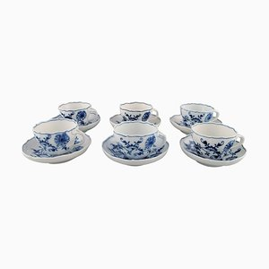 Antike Meissen Blue Onion Kaffeetassen mit Untertasse aus Porzellan, 12er Set