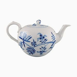Antique Meissen Blue Onion Teapot in Hand-Painted Porcelain