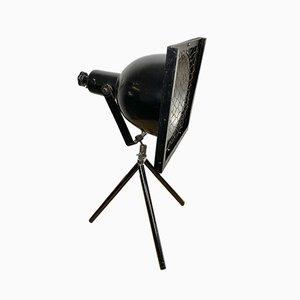 Industrielle schwarze Dreibein Tischlampe, 1960er