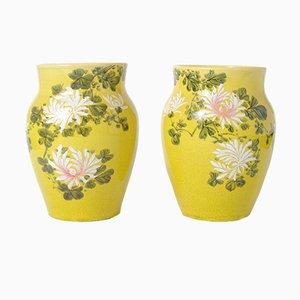 Antike japanische gelb glasierte Awaji Keramikvasen, 2er Set