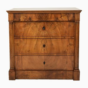 19th Century Biedermeier German Walnut Chest of Drawers, 1820s