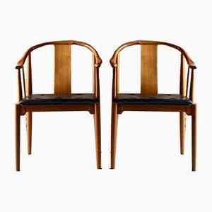 Walnut China Chairs by Hans J. Wegner for Fritz Hansen, 1977, Set of 2