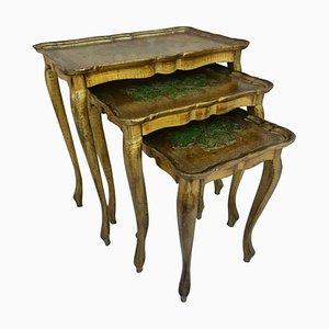 Antike vergoldete Beistelltische mit geschnitzten Füßen, 3er Set