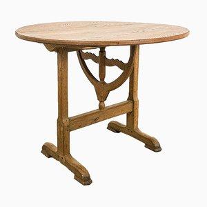 Runder Französischer Vintage Weintisch aus Eiche mit runder Neigung