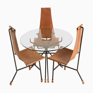 Juego de comedor de tres sillas y mesa de Dan Wenger