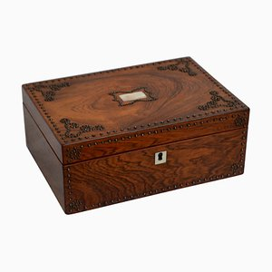 Boîte à Bijoux Victorienne en Palissandre et Clouté avec Plateau